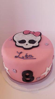 Monster High Birthday cake -   Soutenez-nous dans le développement en franchise de nos salons de thé vintages ! Support us to develop  our vintage tearooms !  Facebook : https://www.facebook.com/MissAudreysCupcakes/ Ulule : http://fr.ulule.com/audreys-cupcakes/  Merci :D ! Thank you :D !