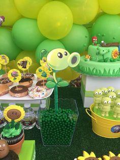 Zombie Birthday Parties, Zombie Party, Boy Birthday, Birthday Ideas, Plants Vs Zombies, Plantas Versus Zombies, P Vs Z, Plant Zombie, Halloween Entertaining