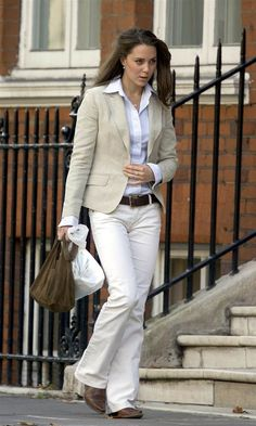 LOVE Kate Middleton's outfit here. Pretty sure I can replicate it with things in my closet.