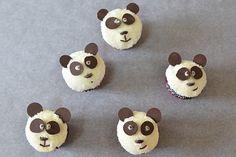 Panda mini muffins Mini Muffins, Homemade Food, Yummy Cakes, Cake Pops, Panda, Cupcakes, Tasty, Dishes, Baking