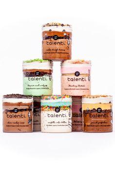 Talenti Has 6 New Layered Gelato Flavors, and BRB, Buying Every Jar of Strawberry Shortcake Talenti hat 6 neue, geschichtete Gelato-Aromen und BRB, die jedes Glas Erdbeer-Shortcake kaufen Ice Cream Packaging, Dessert Packaging, Bakery Packaging, Food Packaging Design, Talenti Flavors, Dessert Boxes, Cake In A Jar, Classic Desserts, Fudge Brownies