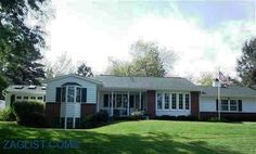 House for sale at 2115 Country Club Dr., Grinnell, IA 50112