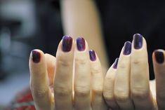 葡萄色でぬるっとグラデーション。秋らしく。「赤紫と青紫の組み合わせ、変じゃないですか?」のご質問を受け、「変じゃないですよ!」と、色味を調合してお仕上げ致しました。配色について。合わない色、実は余り無いのではないかなと思います。各々のお肌が美しく見えるトーンは必ずあると...