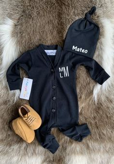 Baby boy black romper with personalized knotted beanie , Baby Boy Clothes. Going Home Outfit Newborn Boy.Take home outfit. Newborn boy gift, – Newborn About Newborn Hospital Outfits, Newborn Coming Home Outfit, Newborn Boy Clothes, Take Home Outfit, Baby Going Home Outfit Boy, Babies Clothes, Gifts For Newborn Boy, Baby Boy Newborn, Best Baby Boy Gifts