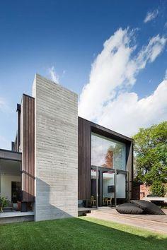 contemporary exterior by Nixon Tulloch Fortey Architecture #pin_it #architeture #arquitetura @mundodascasas www.mundodascasas.com.br