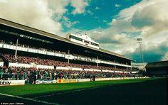 The glory that was the Shelf Football Stadiums, Football Team, Tottenham Hotspur Football, Image Foot, Barcelona, White Hart Lane, Retro Football, Tommy Boy, Old Photos