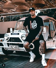 Reece Hawkins, Tammy Hembrow, Men's Outfits, Fashion Outfits, Woman Crush, Boohoo, Handsome, Style Diary, Moda Masculina