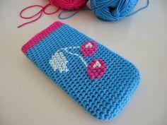 Dinki Dots Craft: Crochet and Cross Stitch Phone Case