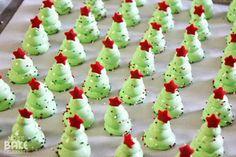 Íme egy egyszerű ötlet arra, hogy a karácsonyi asztalra kerülő édesség hangulatos is, finom is és költségkímélő is lehet. Hozzávalók:     ...