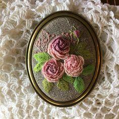-2017/07/04 겹겹의 장미 브로치로~ . . . . . By Alley's home #embroidery#homemade#homedecor#needlework#antique#ribbonembroidery#embroideredflowers#silkribbons#silkribbonembroidery#프랑스자수#서양자수#진해프랑스자수#창원프랑스자수#마산프랑스자수#리본자수#꽃자수#자수타그램#실크리본자수#창원프랑스자수_앨리의프랑스자수리본자수#진해프랑스자수_앨리의프랑스자수리본자수#앨리의프랑스자수#자수소품#손자수#리본자수수업#꽃다발자수#창원프랑스자수수업#창원리본자수수업#자수브로치
