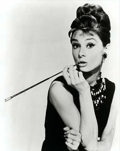 Audrey Hepburn | Holly Golightly... Breakfast at Tiffany's