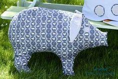 """Garantiert weich und kuschelig und dazu noch sauber ist unser Schweinchen """"Motte"""". Mit einer stattlichen Größe von 46 x 60 cm macht es richtig was her."""