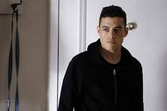 Mr. Robot' Star Rami Malek Dives Into a World of Paranoia ...