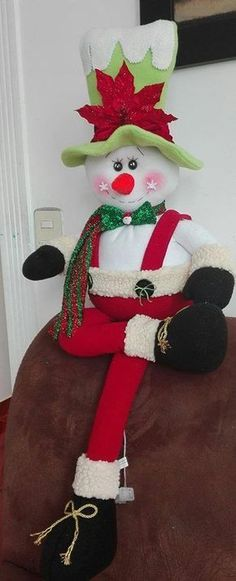 VK is the largest European social network with more than 100 million active users. Snowman Christmas Decorations, Snowman Crafts, Christmas Snowman, Holiday Crafts, Christmas Ornaments, Holiday Decor, Mary Christmas, Christmas Home, Homemade Crafts
