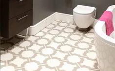 Luxurious Bathroom with Parquet Stone Flooring
