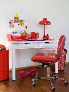 Home Office Decor: Clear Thinking    Everything looks tied together - even mismatched accessories - with a crisp palette of red and white.