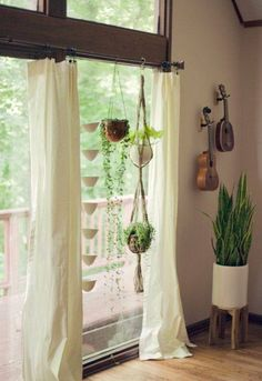 Amazing Hanging Air Plants Decor Ideas 21 image is part of Amazing Hanging Air Plants Decor Ideas gallery, you can read and see another amazing image Amazing Hanging Air Plants Decor Ideas on website Macrame Plant Hangers, Home And Deco, Plant Decor, House Plants Decor, Interior And Exterior, Sweet Home, Home And Garden, Room Decor, House Design