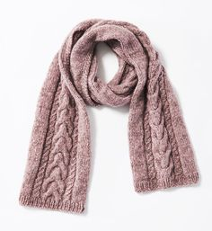 Ihr wollt einen Schal mit Zöpfen stricken? Hier findet ihr die passende Strickanleitung! Und der Schal wärmt euch den ganzen Winter.