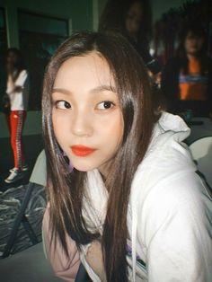 South Korean Girls, Korean Girl Groups, Kim Ye Won, G Friend, Pretty Girls, Girlfriends, Abs, Shit Happens, Kpop