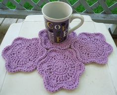 HOT & COLD FLOWER COASTER Free Pattern - I see a nice afghan made from these too with the lovely way they mold to each other!