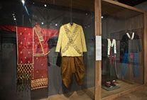 Tai Lao and Yao Mun wedding costumes