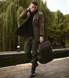 Fall outfit inspiration with a brown blazer black hoody brown leather backpack brown boots sunglasses. Backpack Outfit, Colton Haynes, Dapper Gentleman, Messenger Bag Men, Sharp Dressed Man, Stylish Men, Black Hoodie, Sexy Men, Sexy Guys