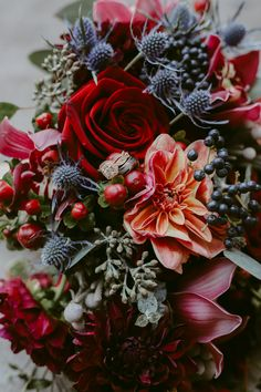 A+D // A Michigan Wedding at the Grosse Pointe War Memorial – Julie Pepin Phot. Fall Wedding Bouquets, Fall Wedding Flowers, Autumn Wedding, Wedding Centerpieces, Floral Wedding, Wedding Colors, Wedding Decorations, Fall Flowers, Wedding Ideas