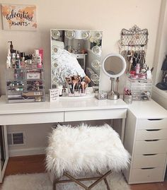 20 Best Makeup Vanities & Cases for Stylish Bedroom - Dads house -