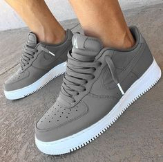 Nike Shoes OFF! ►► nike shoes for women 2019 Me Too Shoes, Women's Shoes, Shoe Boots, Shoes Sneakers, Grey Sneakers, Casual Sneakers, Nike Shoes Outfits, Chunky Sneakers, Platform Sneakers