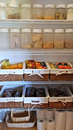 Who knew pantries could look so good? A little organization goes a long way! #pantry #interiordesign