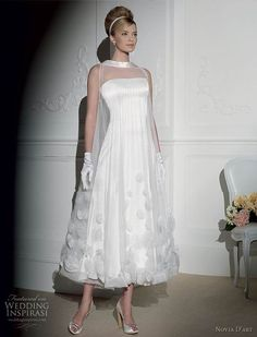 This two piece tunic in 3D over the strapless midi dress is the most fabulous and elegant ensemble any modern and classy bride could ever dream of.  Some minor variations would bring the uniqueness to the attire. Dress Wedding, One Shoulder Wedding Dress, Classy Ideas, Wedding Inspiration, Vintage, Fashion, Moda, Wedding Dress, Fasion