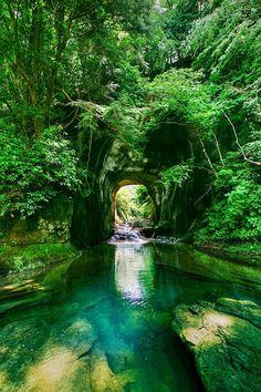 まるでジブリの世界みたいとインスタグラムで話題の秘境「濃溝の滝」 | 千葉県の撮影スポット ,Japan,Chiba,landscape,photography,river,nature