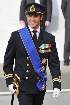 Prince Carl Philip of Sweden- He's got me over here singing Taylor Swift 'You be the prince and I'll be the princess'