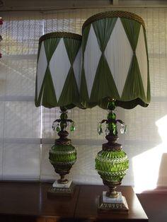 vintage lamp with tear drop pendants green Cafe Furniture, Retro Furniture, Modern Retro, Midcentury Modern, Green Table Lamp, Table Lamps, Retro Living Rooms, Vintage Lamps, Vintage Table