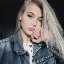 """who remembers the silver hair. Pretty People, Beautiful People, Tumbrl Girls, Mode Grunge, Selfie Poses, Aesthetic Girl, Silver Hair, Pretty Face, Makeup Inspiration"