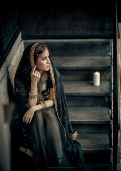 Portrait Photography Rule of Thirds Foto Portrait, Portrait Photography, Urbane Fotografie, Wrath And The Dawn, Female Character Inspiration, Style Inspiration, Foto Instagram, Arabian Nights, Poses