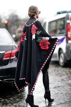 Olivia Palermo is seen outside Elie Saab during Paris Fashion Week Haute Couture Spring Summer 2020 on January 23 2019 in Paris France Olivia Palermo Outfit, Estilo Olivia Palermo, Olivia Palermo Lookbook, Fashion Week Paris, Winter Fashion, Fashion Weeks, London Fashion, Street Fashion, Women's Fashion