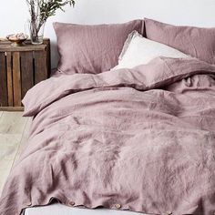 How cozy is this linen bedding from @linentales ? Hand made in Lithuania and available on their website and Etsy pages.  #cozy #creaturesofcomfort #inbed #linentales #madewell #colorinspo #colortrends #instyle #editwise #goodmorning #goals #homedecor #wakeup #linen #handcrafted #interiorstyle #cozy #homestyle #ruecolor #mystyle #styledesire by editwise