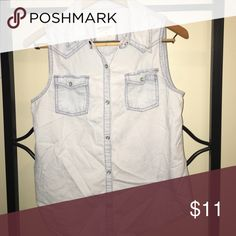 Sleeveless White-Wash Denim Top This is a med. Its snap buttons! Perfect for summer Tops Button Down Shirts