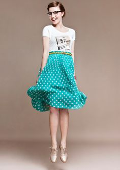 M for Mendocino. T-shirt with polka dot skirt #pattern