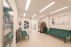 Sala de espera en CIM Formación Barcelona.