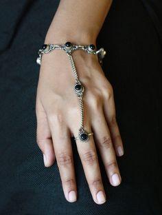 Bracelets – Black Onyx stone ring with bracelet – a unique product by IndianRoute on DaWanda #slavejewelry #slavebracelet #handchain #celticjewelry #bohemian #blackonyx #ringbracelet