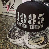 styleyourcap.de wir besticken dein Logo ab der ersten Cap! Snapback Cap, Black And White, Logo, Design, Style, Swag, Logos, Black N White, Black White