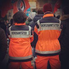 Sanitätsdienst bei Gegenprotesten zur AfD Wahlparty in Stuttgart am 13.03.2016  Quelle: http://www.beobachternews.de/