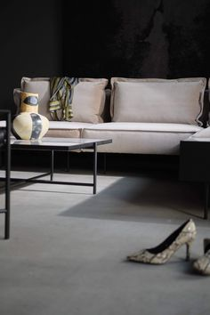 From the iconic Daybed to the grand Modular Sofa, all HANDVÄRK seating objects are meticulously designed in Denmark and characterized by aesthetic sustainability: a timeless object in a quality last a lifetime. Nordic Living Room, Scandinavian Living, Danish Furniture, Furniture Design, Tile Top Tables, Grey Wall Decor, Brown Interior, Scandinavian Interior Design, Dining Room Inspiration