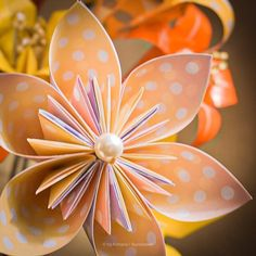 Kusudamas I made for mom Colorful Animals, Origami Flowers, Delicate, Mom, Paper, Plants, Projects, Paper Flowers, Log Projects