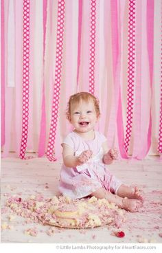 Pretty in Pink cake smash by Little Lamb Photography in Gatineau, QC. Photography Tutorials, Beauty Photography, Cake Smash Backdrop, Baby Cake Smash, Cake Smash Photos, Pink Themes, Children Photography, Creative Inspiration, Pretty In Pink