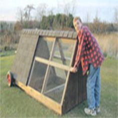 MOTHER's Chicken Mini-Coop - DIY - MOTHER EARTH NEWS