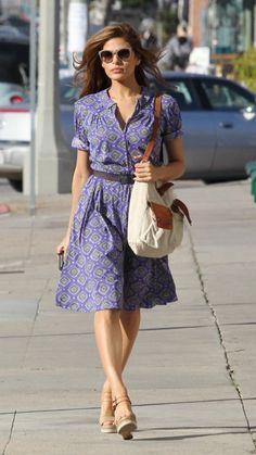 Eva Mendes in blue dress. Feminine is easy! Cute Fashion, Modest Fashion, Boho Fashion, Autumn Fashion, Vintage Fashion, Fashion 2017, Fashion Outfits, Fashion Trends, Eva Mendes Dress