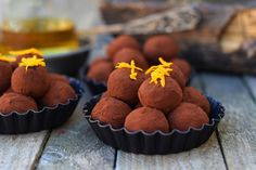 Whiskey-s csokoládé trüffel bögrésen | Rupáner-konyha No Bake Treats, Party Snacks, Sweet Recipes, Muffin, Baking, Breakfast, Blog, Diy, Candy